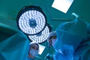"""עו""""ד רשלנות רפואית בניתוח אף"""